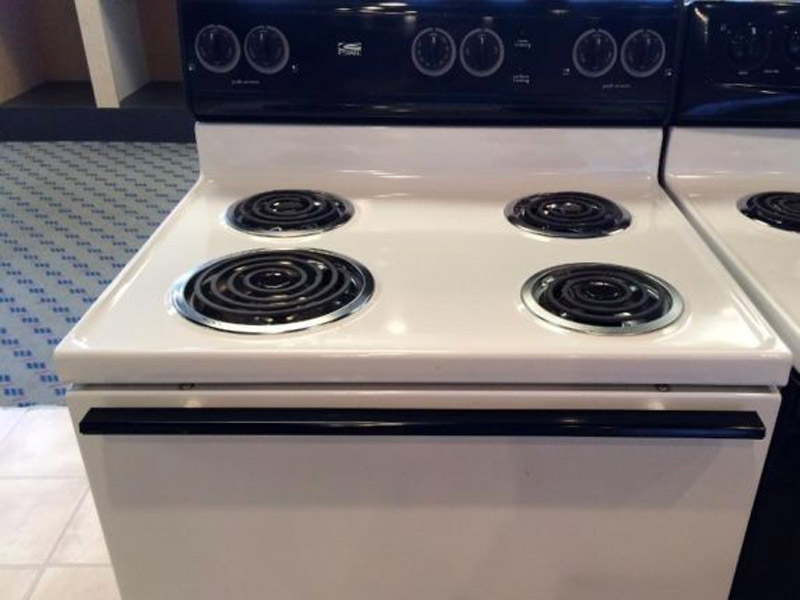 Estate Cooktops / Stoves / Ovens / Ranges